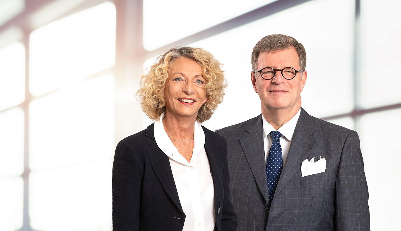 Frau Dr. Friederike Hrubesch-Mohringer, Vorstandsvorsitzende des BAI, Herr Jörg Geller, Vorstand des VAD - Die Arzneimittel Importeure
